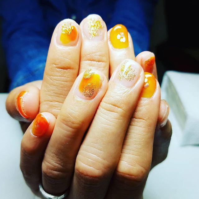 「ネイルサロン 美NAILオレンジ&イエローで夏ネイルに.Add: 神戸市北区北五葉1-6-1HP: http://www.bnail.jp/.#nail #nails #nailart #gelnail #kobe #ネイル #ネイルアート #ジェルネイル #ネイルデザイン #神戸市北区ネイルサロン #ネイルサロン美ネイル #美NAIL #夏ネイル#ビタミンカラー (Instagram)
