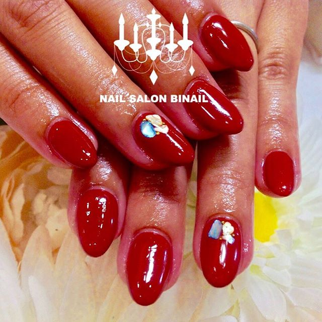 「秋の赤ネイルこの赤のお色は色混ぜして作らせて頂きましたできるだけご希望の色を作らせて頂きますので、ぜひお申し付け下さいネイルサロン  美NAIL.Add:神戸市北区北五葉1-6-1HP:http://www.bnail.jp/.#nail #nails #nailart #gel nail #kobe #ネイル #ネイルアート #ジェルネイル #ネイルデザイン #神戸市北区ネイルサロン #ネイルサロン美NAIL #美NAIL#ネイルサロン美NAIL西鈴蘭台店#美NAIL西鈴蘭台店究極のフィルイン#パラジェル#自爪を削らない#自爪に優しい#イベントネイル#成人式ネイル#自分で取れる#自分で取れるジェルネイル#1日だけネイルしたい#ピールオフジェル (Instagram)