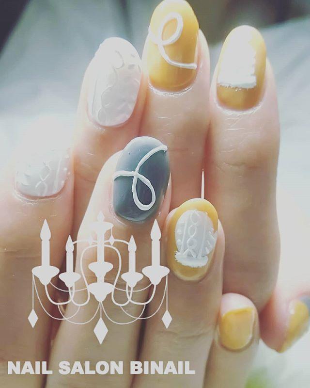 「ニットネイルです手袋&ニット帽がとってもキュートですほんのり立体感のあるニットネイルは大人の方にも楽しんでいただけると思いますネイルサロン  美NAIL.Add:神戸市北区北五葉1-6-1HP:http://www.bnail.jp/.#nail #nails #nailart #gel nail #kobe #ネイル #ネイルアート #ジェルネイル #ネイルデザイン #神戸市北区ネイルサロン #ネイルサロン美NAIL #美NAIL#ネイルサロン美NAIL西鈴蘭台店#美NAIL西鈴蘭台店究極のフィルイン#パラジェル#自爪を削らない#自爪に優しい#イベントネイル#成人式ネイル#自分で取れる#自分で取れるジェルネイル#1日だけネイルしたい#ピールオフジェル#2018冬ネイル#ニットネイル#手袋#ニット帽#大人かわいい (Instagram)